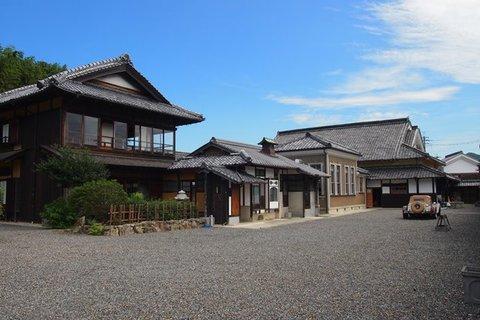 【コヤノ美術館・西脇館】庭より